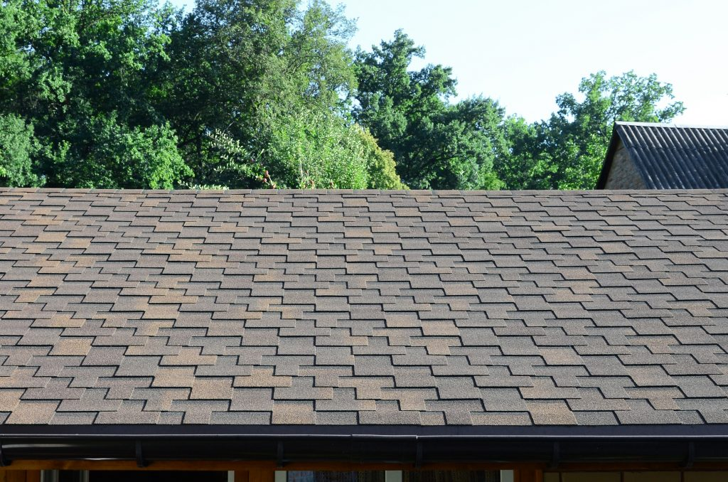 RainTech Roofing - Modern roofing and decoration of chimneys. Flexible bitumen or slate shingles
